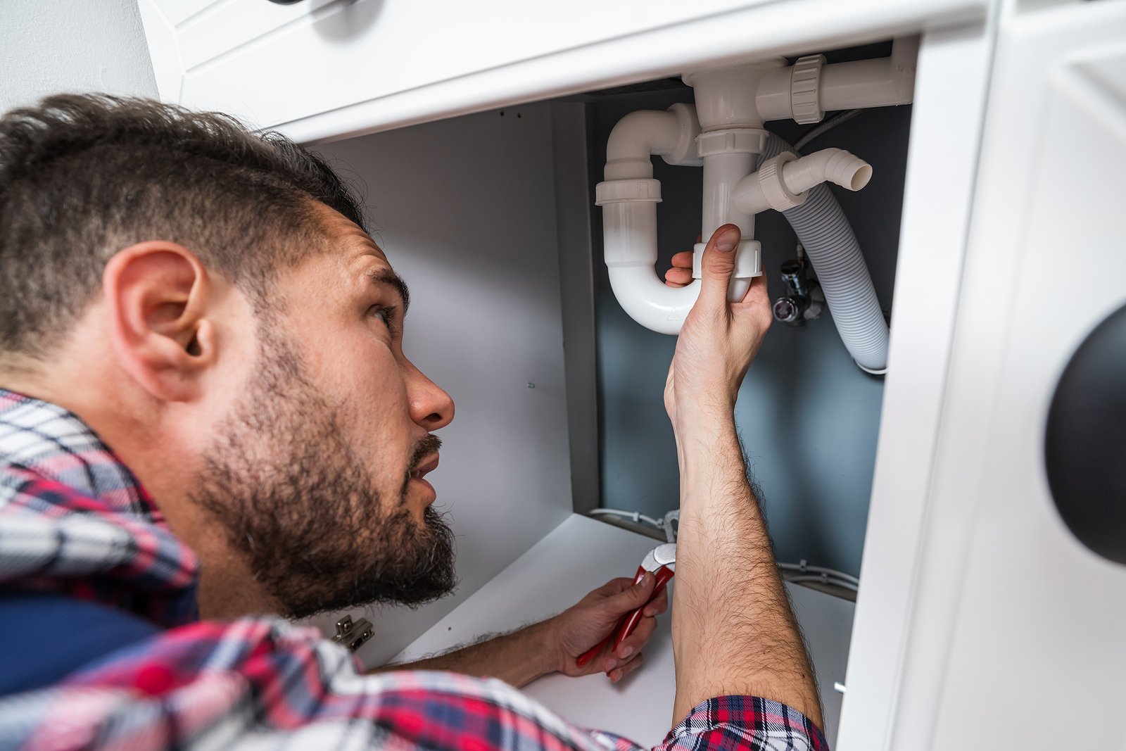 Plumber in Wellington Fixing Sink Pipe
