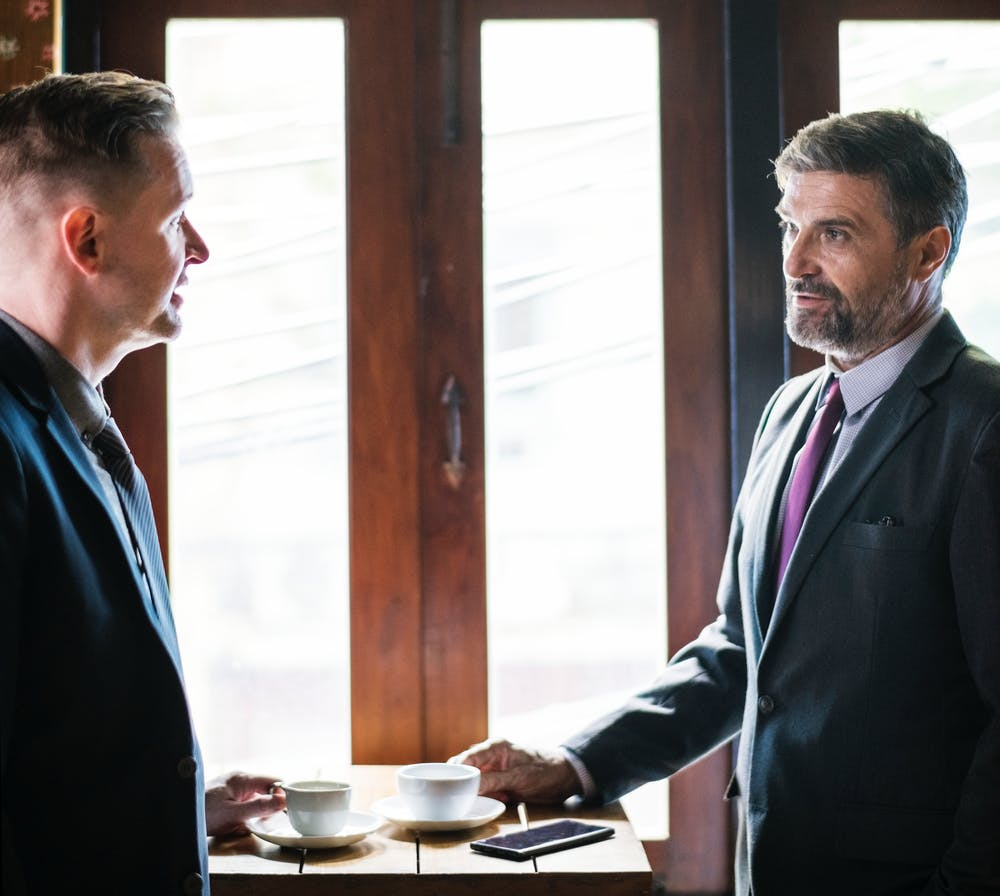 Will dispute lawyer meeting a client