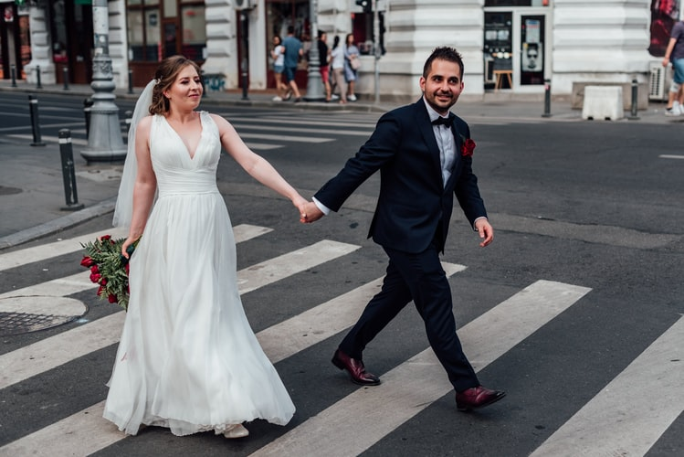 Couple during prenup shoot in the streets