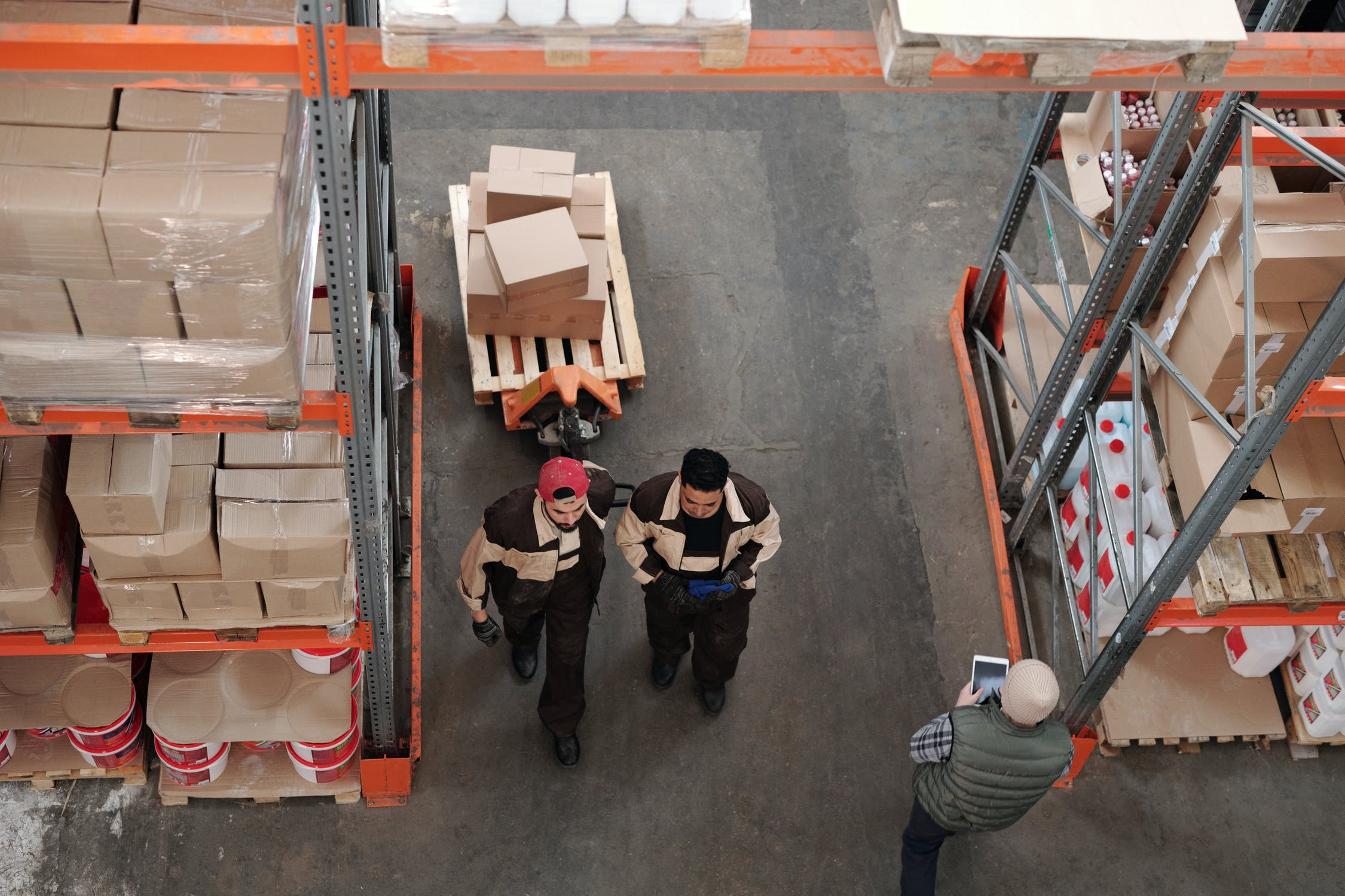 Two workers inside a 3pl Warehouse
